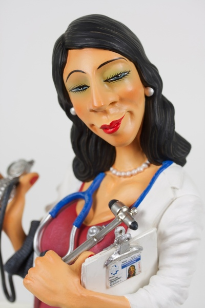 FO85520-Madam-Doctor-Madame-Docteur-7