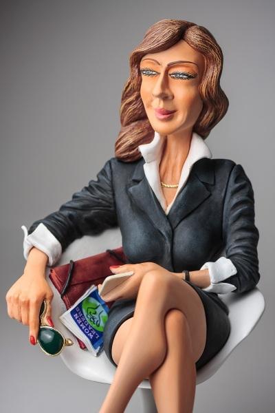 FO85546-The-Businesswoman-5