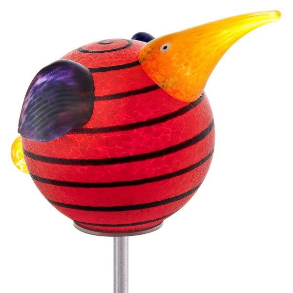 oo_kiwi-stick_outdoor-sculpture_red