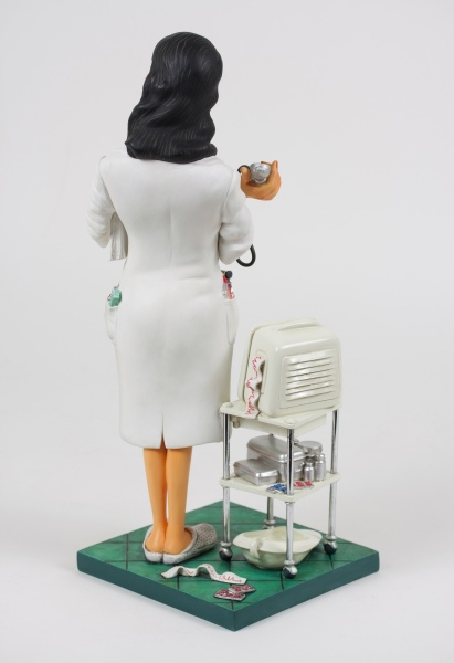 FO85520-Madam-Doctor-Madame-Docteur-2