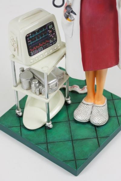 FO85520-Madam-Doctor-Madame-Docteur-5