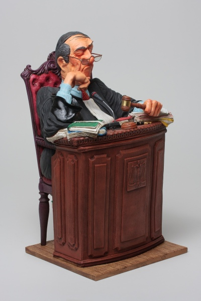 FO85529-The-Judge-Le-Juge-3