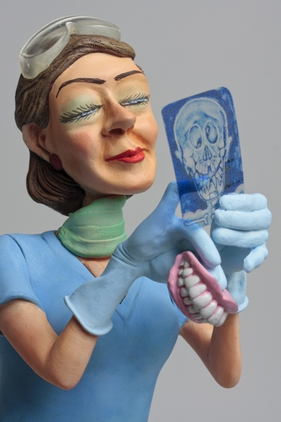 FO85534-Lady-Dentist-Madame-Dentiste-3-HR