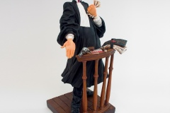 FO85501-The-Lawyer-LAvocat-1-square